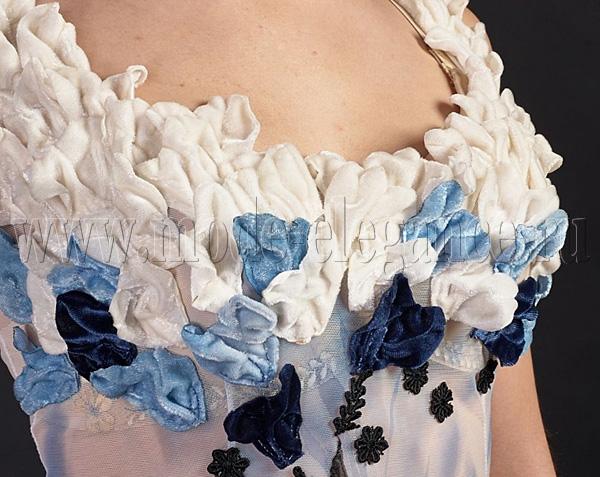Отделка платьев лентой