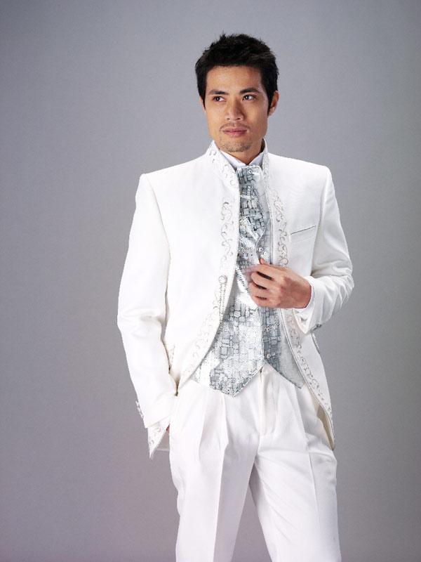 Белый свадебный мужской костюм куртка